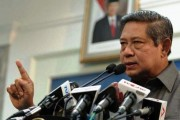 President SBY Scolded Kids for Sleeping During His Speech