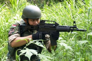 SS2 Being Used by an Indonesian Soldier